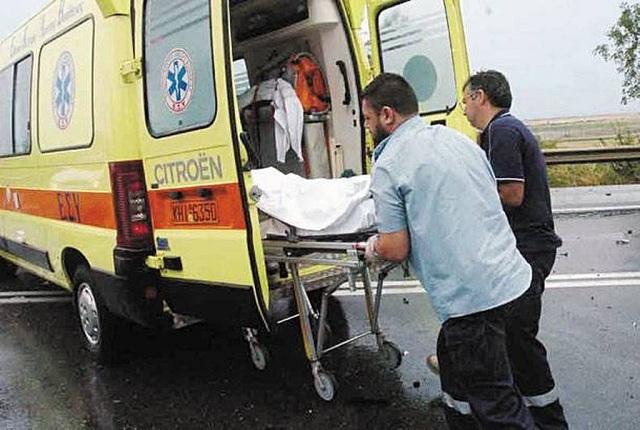 Νεκρή 82χρονη μετά από σύγκρουση φορτηγού με εκσκαφέα