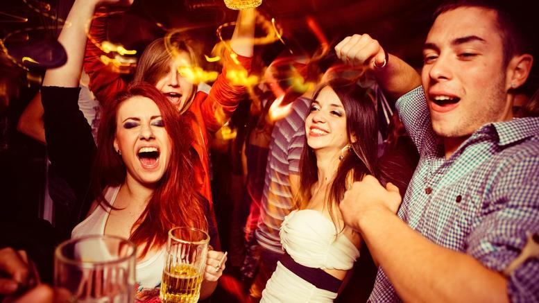 Από 13 χρόνων τα ελληνόπουλα στο αλκοόλ , πρωταθλητές και το τζόγο