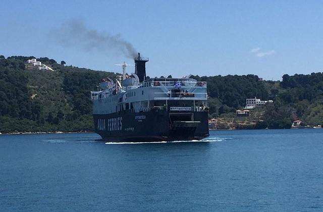 Μηχανική βλάβη σε επιβατικό πλοίο προς Σποράδες