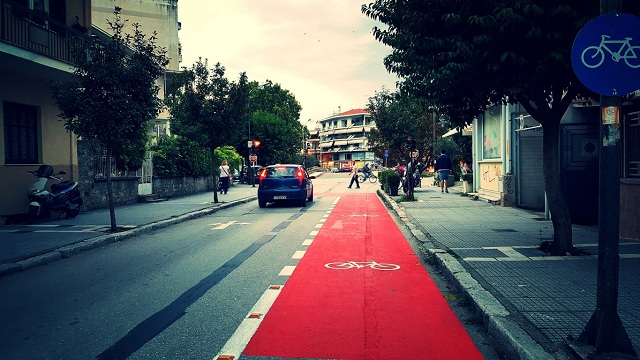 Τελευταίες πινελιές στο νέο ποδηλατόδρομο των Τρικάλων