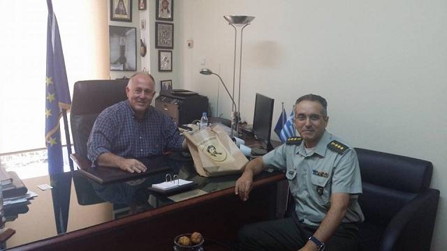 Ο νέος διοικητής του 304 ΠΕΒ στον Δήμαρχο Ρ. Φεραίου