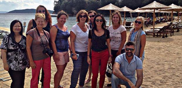 Εντυπωσιασμένοι ολλανδοί τουριστικοί πράκτορες από την Σκιάθο