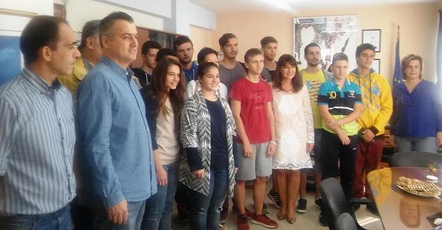 Οι διακριθέντες μαθητές στο διαγωνισμό ρομποτικής στην Περ. Διευθύντρια Εκπαίδευσης