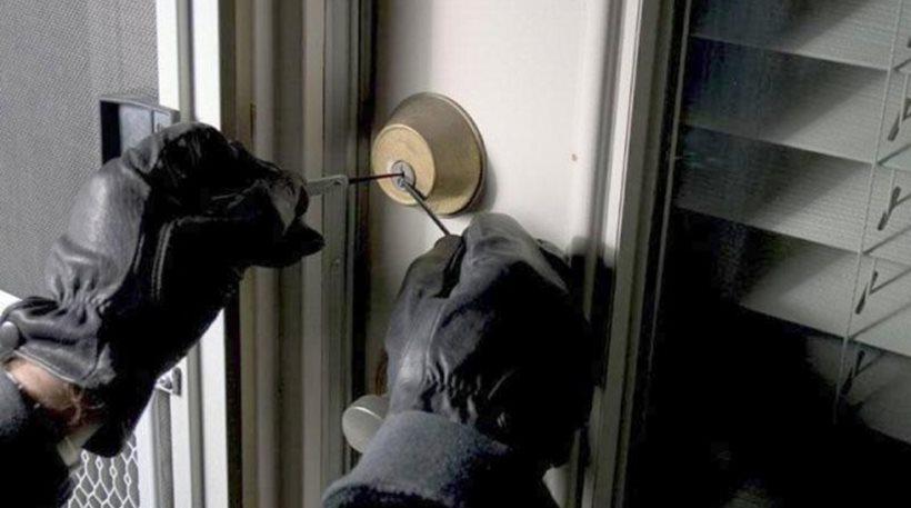 Σύλληψη 30χρονου για σωρεία κλοπών από σπίτια
