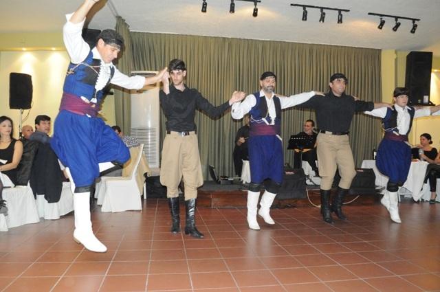 Μαθήματα κρητικών χορών