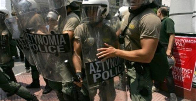 Ένταση μεταξύ διαδηλωτών και ΜΑΤ κοντά στο Σκοπευτήριο Καισαριανής
