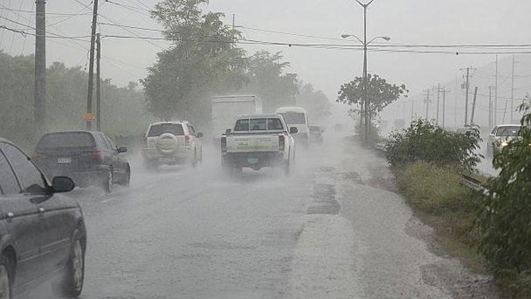 17 νεκροί από το πέρασμα του τυφώνα Μάθιου στην Καραϊβική