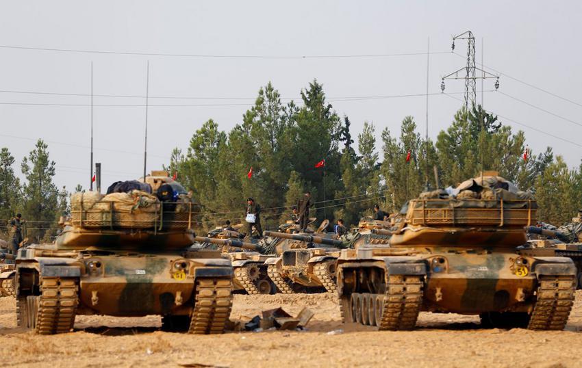 Τουρκικό σφυροκόπημα κατά ISIS στα τουρκοσυριακά σύνορα