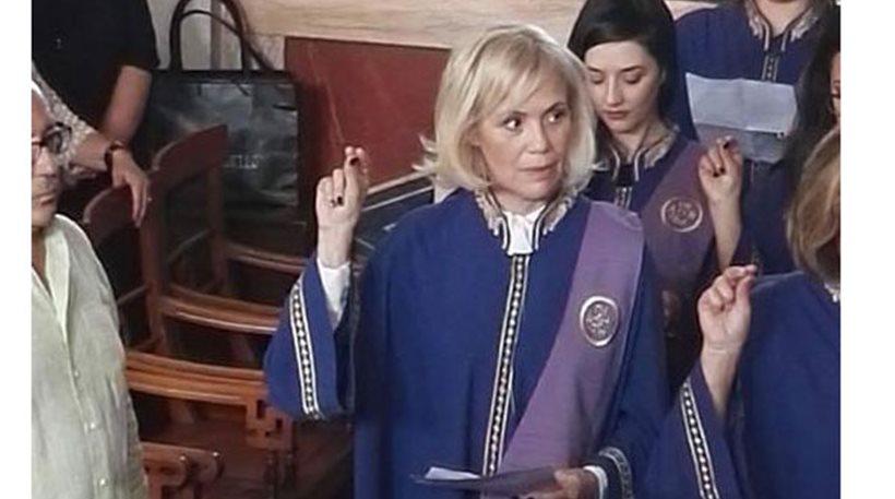 Η ηθοποιός Κωνσταντίνα Μιχαήλ πήρε το πτυχίο της