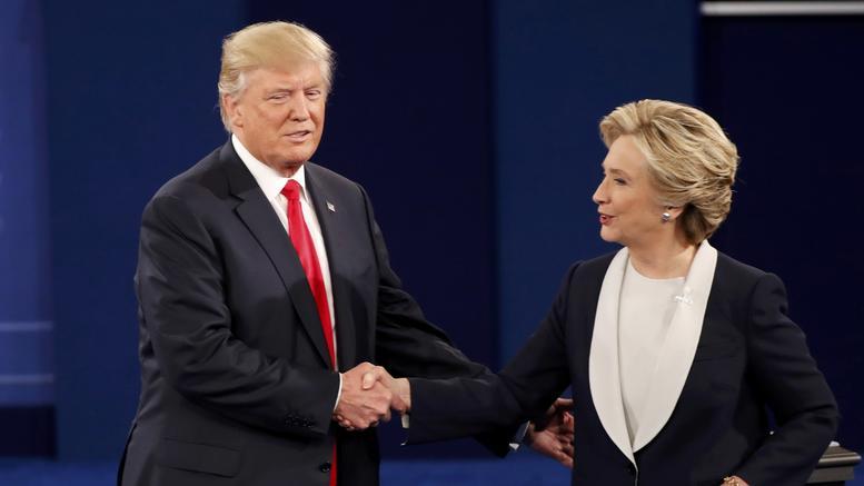 Καρέ-καρέ η δεύτερη τηλεοπτική αναμέτρηση Χίλαρι-Τραμπ