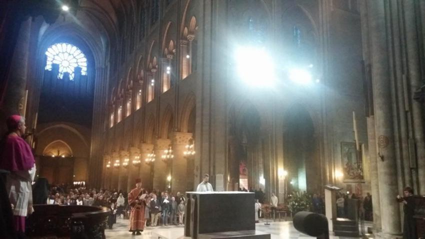 Ορθόδοξος εσπερινός στην Παναγία των Παρισίων