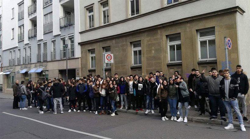 Κατάληψη στο προξενείο της Στουτγκάρδης για τον κίνδυνο λουκέτου στο ελληνικό λύκειο