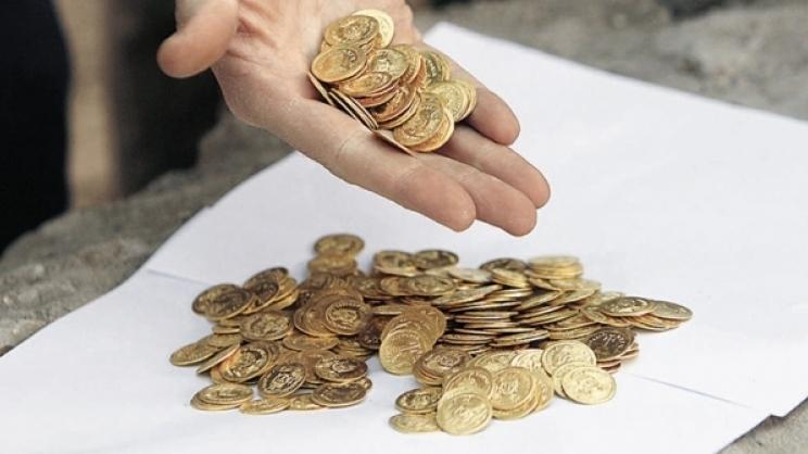 Μια κουνιάδα, η νύφη της και ανάμεσά τους... 5.000 χρυσές λίρες