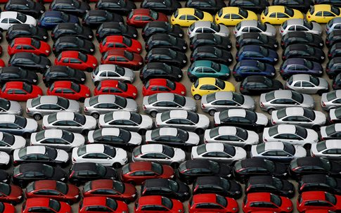 Μειώνει τις φοροελαφρύνσεις για αυτοκίνητα με κινητήρες diesel η Γαλλία