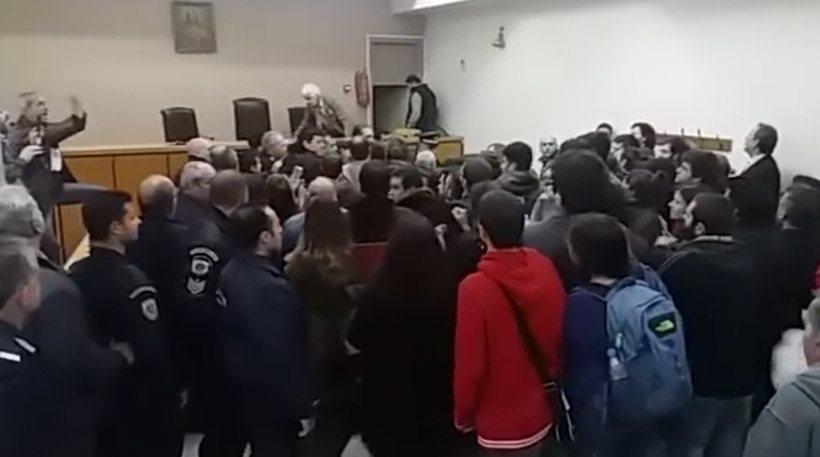 Οργή λαού ματαίωσε πλειστηριασμούς σε Θεσσαλονίκη και Πάτρα
