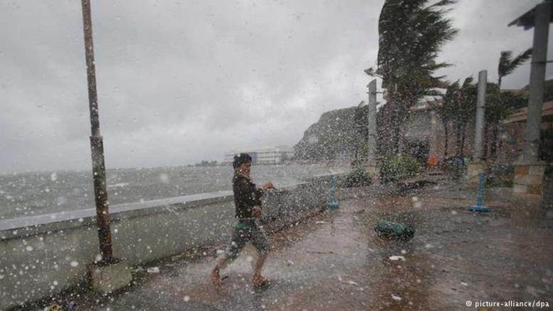 Ο σούπερ τυφώνας Χαΐμα πλησιάζει στις ακτές των Φιλιππίνων