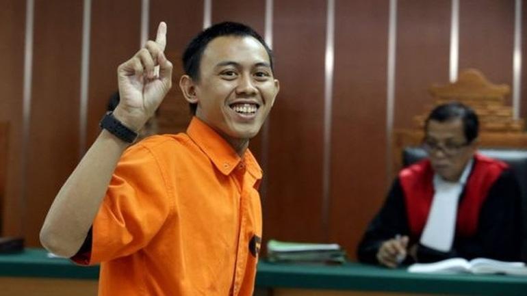 Χαμόγελα από τον συνεργάτη του Χαλιφάτου που σκόρπισε τον τρόμο στην Ινδονησία