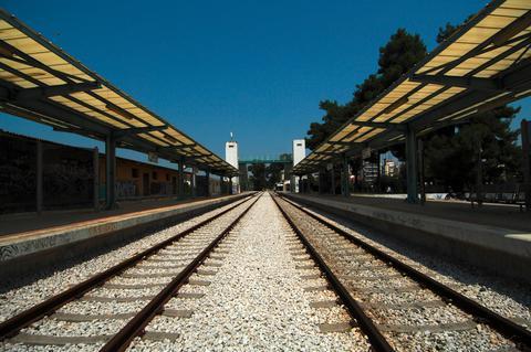 Σε 3,5 ώρες η διαδρομή Αθήνα-Θεσσαλονίκη με το νέο τρένο