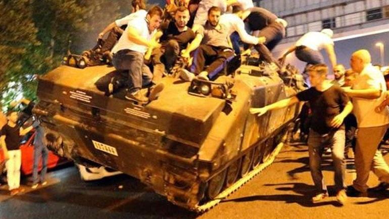 Τουρκία: Περισσότερες από 35.000 συλλήψεις μετά το αποτυχημένο πραξικόπημα