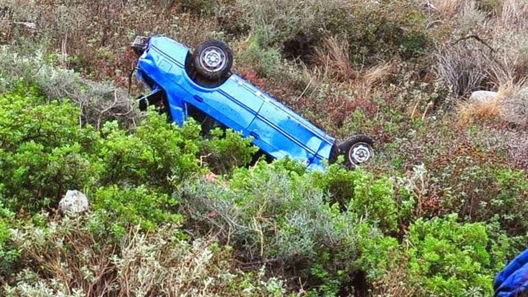 Σέρρες: Δύο αυτοκίνητα έπεσαν σε χαράδρα - Ένας νεκρός