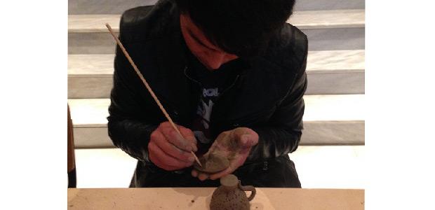 Νεαροί φιλοξενούμενοι του ξενώνα της Αρσις σε πρόγραμμα του Μουσείου Βόλου