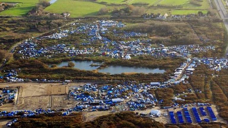 Ο Ολάντ καλεί τη Βρετανία να αναλάβει τις ευθύνες της για τους ασυνόδευτους ανηλίκους του Καλαί