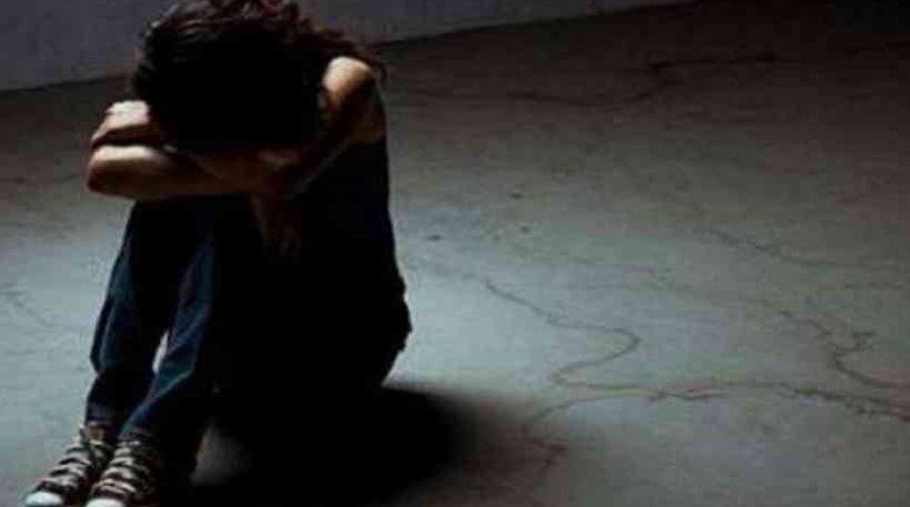 31χρονος ασελγούσε σε ανήλικη εκβιάζοντάς την με γυμνές φωτογραφίες της