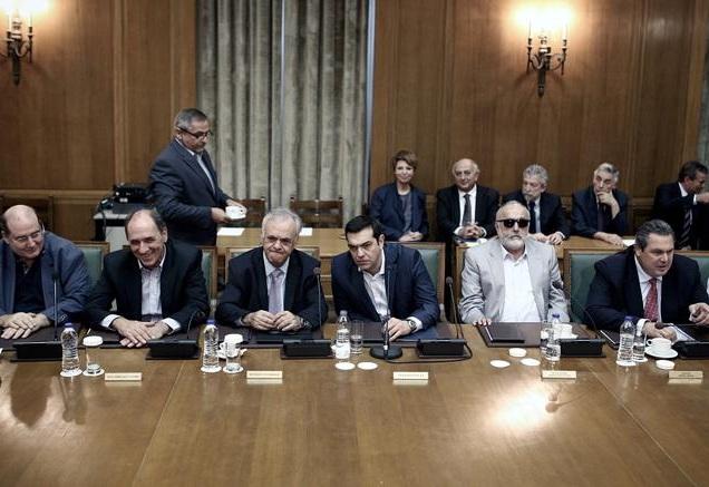 Εκπλήξεις της τελευταίας στιγμής στη λίστα των νέων υπουργών
