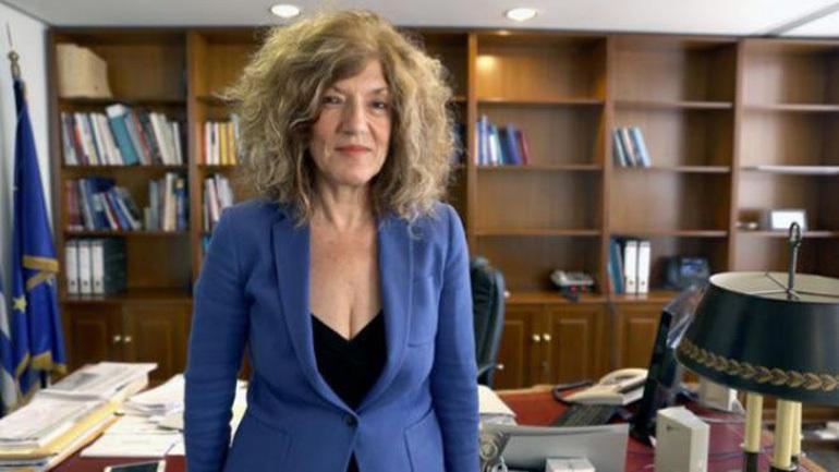 Σία Αναγνωστοπούλου: Δεν μπορεί ένας Υπουργός να είναι περιφερόμενος