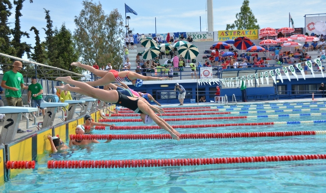 27 Βολιωτάκια στην πισίνα