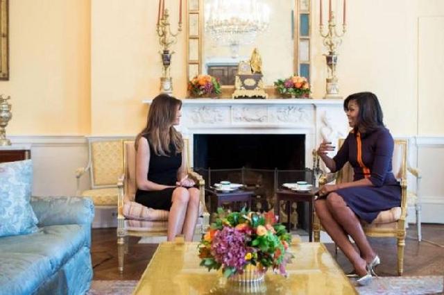 Τι συζήτησαν Μελάνια και Μισέλ στο Κίτρινο Οβάλ δωμάτιο του Λευκού Οίκου