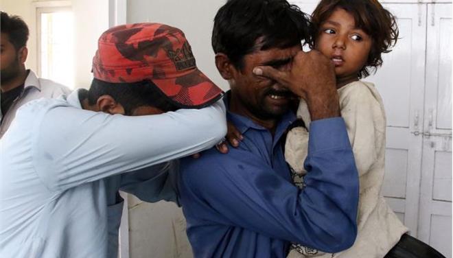 Τουλάχιστον 43 νεκροί από επίθεση του ΙΚ σε τέμενος στο Πακιστάν