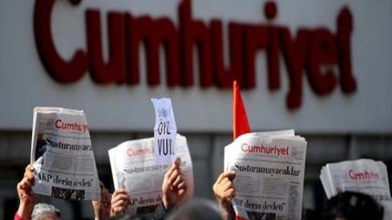 Τουρκία: Προφυλακιστέος ο επικεφαλής της Cumhuriyet