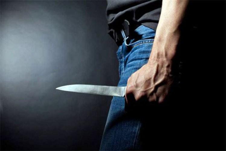 «Φίλαθλος» έβγαλε μαχαίρι σε ερασιτεχνικό αγώνα ποδοσφαίρου στη Λάρισα!