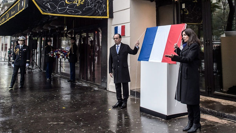 Εκδηλώσεις μνήμης για τις επιθέσεις της 13ης Νοεμβρίου στο Παρίσι