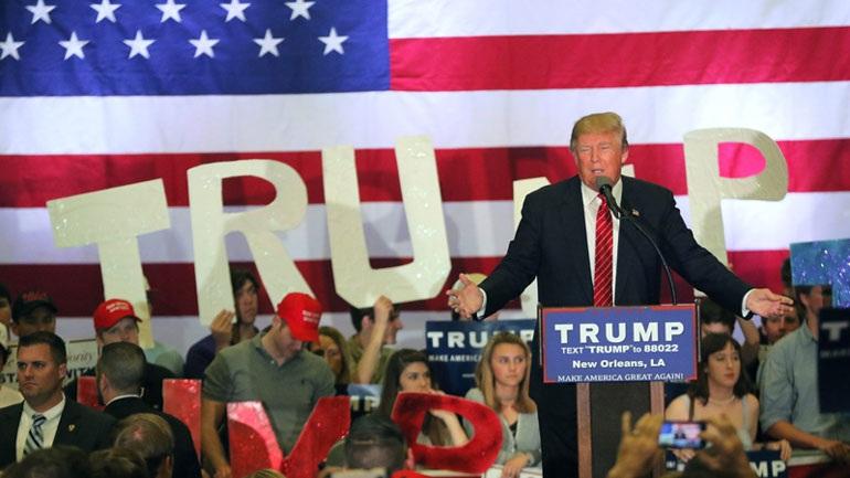 Ο Ντ. Τραμπ υπόσχεται ότι θα απελάσει έως και 3 εκατομμύρια παράτυπους μετανάστες