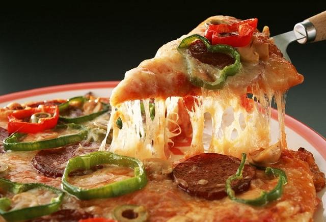 PIZZA FAN: 3 νέοι συνδυασμοί τυριών με 50% περισσότερο τυρί