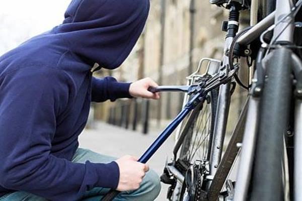 Λάρισα: Ανήλικοι ζητούσαν λύτρα  για να παραδώσουν ποδήλατο που έκλεψαν