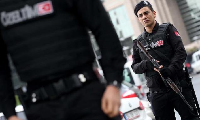 Συλλήψεις 103 πανεπιστημιακών στην Τουρκία και εισβολή στα σπίτια τους