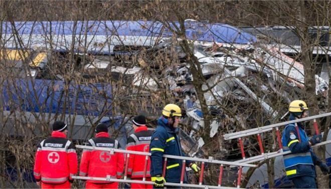 Δεκαοκτώ οι τραυματίες από τον εκτροχιασμό του τρένου στην Ολλανδία