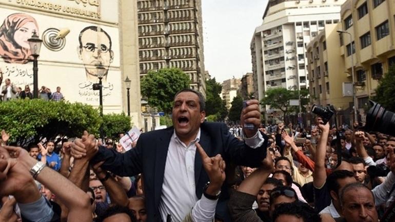 Αίγυπτος: Ποινή φυλάκισης δύο ετών στον πρόεδρο του σωματείου των δημοσιογράφων