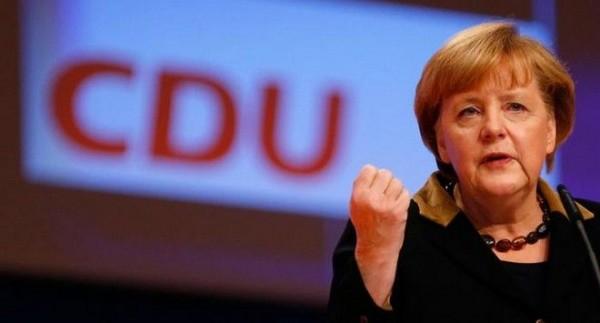 Εκ νέου υποψήφια για την καγκελαρία η Μέρκελ