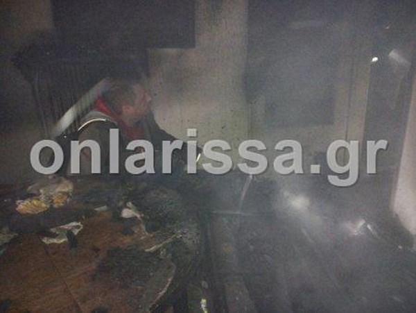 Με σοβαρά εγκαύματα αγοράκι μετά από φωτιά σε σπίτι στη Λάρισα