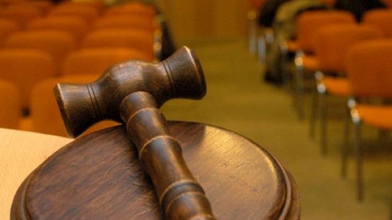 Επτά κατηγορούμενοι για το εξοπλιστικό πρόγραμμα των πυροβόλων PzH της Wegmann