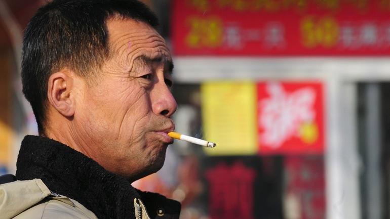 Κίνα: Απαγορεύουν με νόμο το κάπνισμα σε δημόσιους χώρους