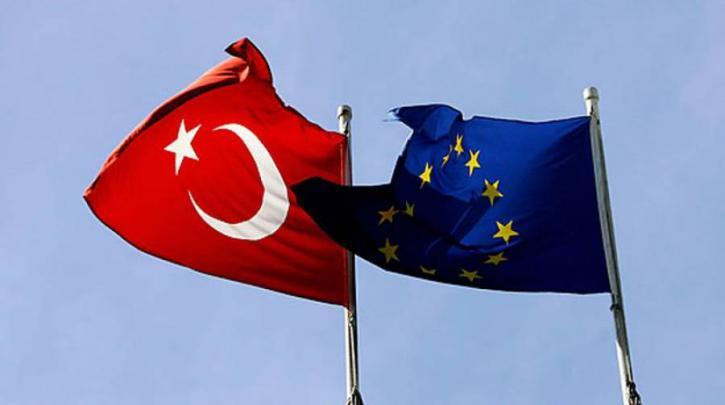 Πάγωμα ενταξιακών διαπραγματεύσεων με την Τουρκία ψήφισαν οι ευρωβουλευτές