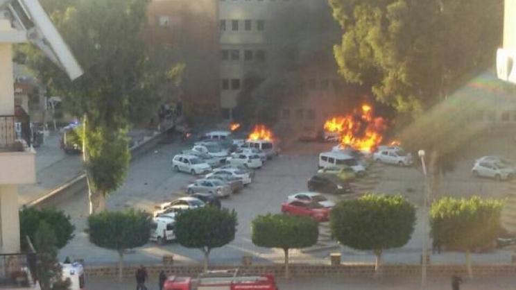 Έκρηξη στο γραφείο του κυβερνήτη στα Άδανα της Τουρκίας