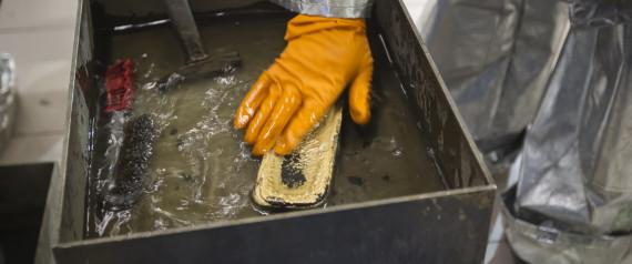Ρώσοι επιστήμονες ανακάλυψαν πώς να εξαγάγουν χρυσό από τον άνθρακα