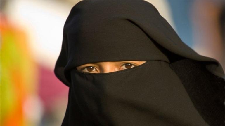 Ολλανδία: Απαγόρευση μπούρκας σε ορισμένους δημόσιους χώρους φέρνει προς ψήφιση η κυβέρνηση