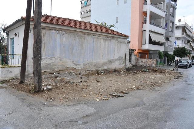 Σε εκκρεμότητα 14 χρόνια το γκρέμισμα σπιτιού στη Ν. Ιωνία
